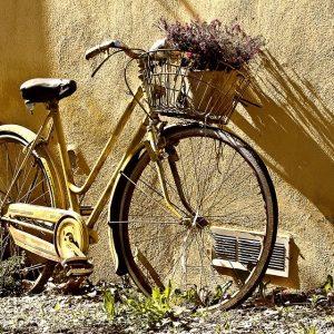 Hintergrund Gebrauchte Räder Gelb